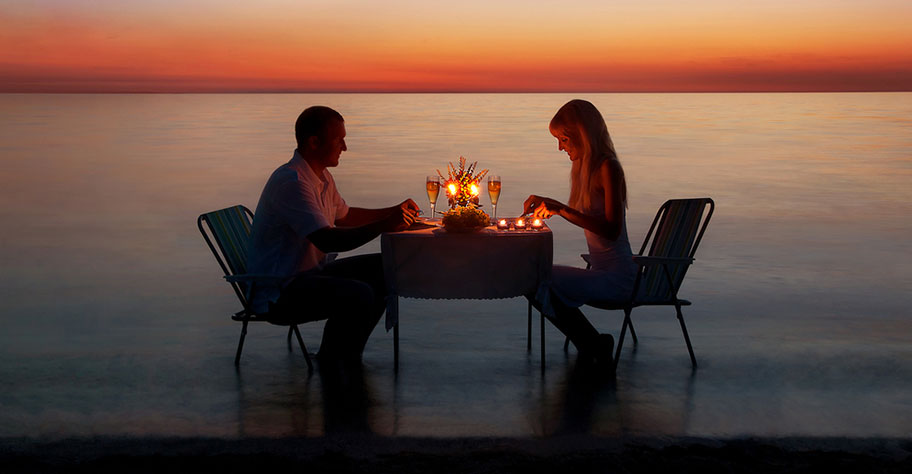 malediven-candle-light-dinner